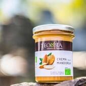 🍯Mahe TeoBia mandlikreem  🌿Värsked, kuulsaimatest Sitsiiilia mandlitest valmistatud mandlikreemid just meie jaoks!  💚Mida vähem on koostisosi, seda parem on toode, sest siis ei ole hea kraami pealt kokku hoitud. Siin on vaid kaks koostisosa- Sitsiilia mahe mandel ja tume suhkur suhkruroost. Mandleid on siin 60%. Itaallased teavad, mida nad köögis teevad.  🥞Limpsi lusikalt või määri saiale, naudi pannkookidega- see hõrgutis kaob laualt hetkega. Keele viib alla! Itaallased teavad, mida nad köögis teevad. Proovi ja ei kahetse!  #biolife #mahetooted #ökotooted #mandlikreem #teobia #tervislik #naturaalne